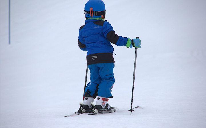 Skiurlaub – Welche Ausrüstung brauchen die Kinder?