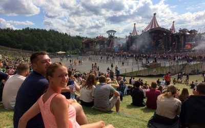 Amicorum Spectaclum Tomorrowland 2017 3 400x250 - Amicorum Spectaculum - Tomorrowland 2017 deluxe mit Full Madness Pass und Spectacular Dreamlodge