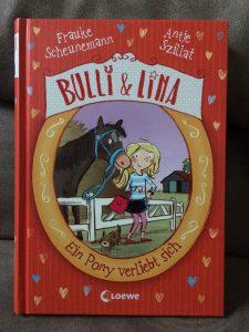 Bulli Lina Rezension 2 225x300 - Rezension: Bulli & Lina – Ein Pony verliebt sich: Band 1