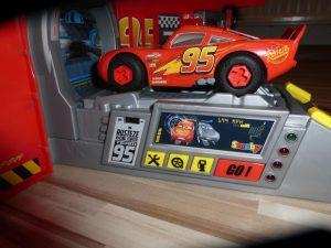 Cars Mack Truck von Smoby Toys 17 300x225 - Prdoukttest: Cars Mack Truck von Smoby Toys