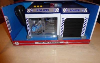 Dickie Toys Polizeistation inkl. Helikopter und Einsatzfahrzeug 1 400x250 - Produkttest: Dickie Toys Polizeistation inkl. Helikopter und Einsatzfahrzeug