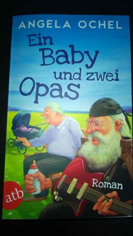 Ein Baby und zwei Opas (1)