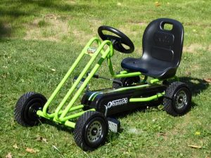Hauck Toys Go Kart Lightning green 6 300x225 - Produkttest: Hauck Toys Go-Kart Lightning green