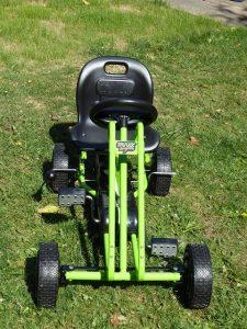 Hauck Toys Go Kart Lightning green 7 225x300 - Produkttest: Hauck Toys Go-Kart Lightning green