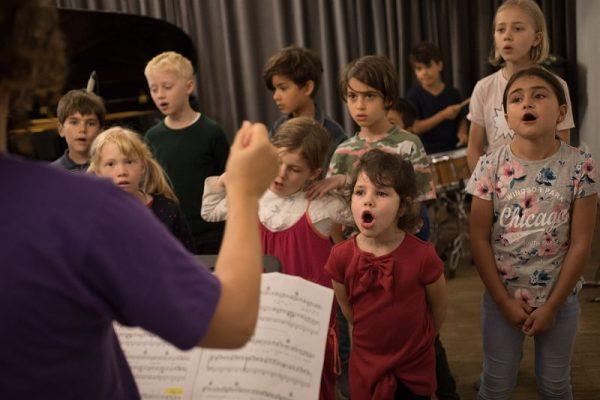 Herbstferien Workshop bei der Musikschule musikplus 5 600x400 - Gewinnspiel: Herbstferien-Workshop bei der Musikschule musikplus!