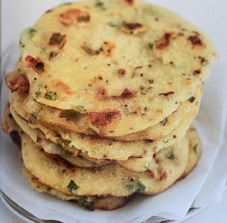 Rezept: Indische Griesplätzchen mit Tomaten und Chili