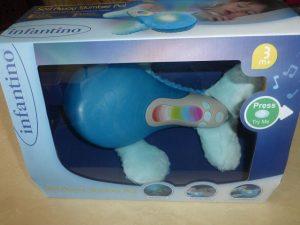 Infantino Willy der Wal Kuscheltier und Nachtlicht (6)
