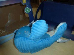 Infantino Willy der Wal Kuscheltier und Nachtlicht (7)