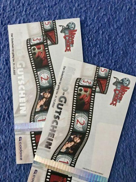 Kinokarten Freikarten 450x600 - Gewinnspiel: DAS FAMILIENFOTO