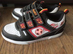 Leucht Sneakers von Deichmann 2 300x225 - Produkttest: Leucht-Sneakers von Deichmann
