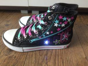 Leucht Sneakers von Deichmann 4 300x225 - Produkttest: Leucht-Sneakers von Deichmann