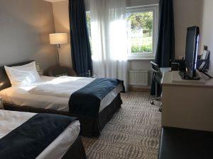 Mövenpick Hotel 's Hertogenbosch Zimmer 4 300x225 - Familienurlaub: Mövenpick Hotel 's-Hertogenbosch