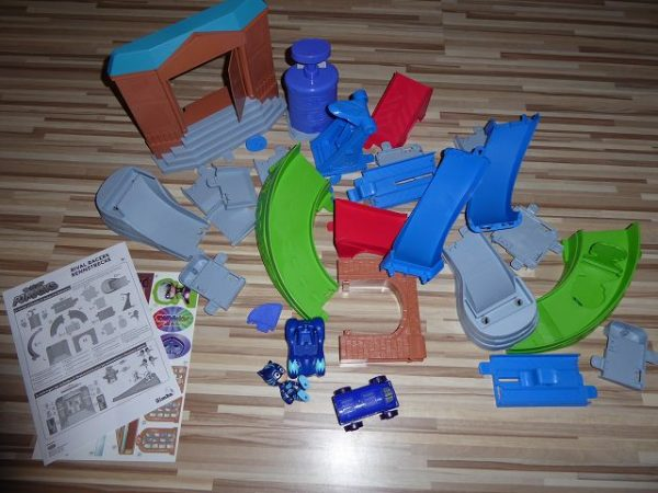 PJ Masks Rival Racers Rennstrecke und Figuren 9 600x450 - Produkttest: PJ Masks Rival Racers Rennstrecke und Figuren