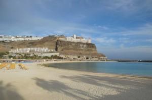 Playa de los Amadores 3 300x198 - Familien-Urlaub