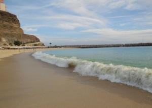 Playa de los Amadores 4 300x214 - Familien-Urlaub