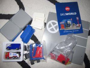 SIKUWORLD 2 300x225 - Gewinnspiel: SIKUWORLD Set Werkstatt und Mercedes AMG G65