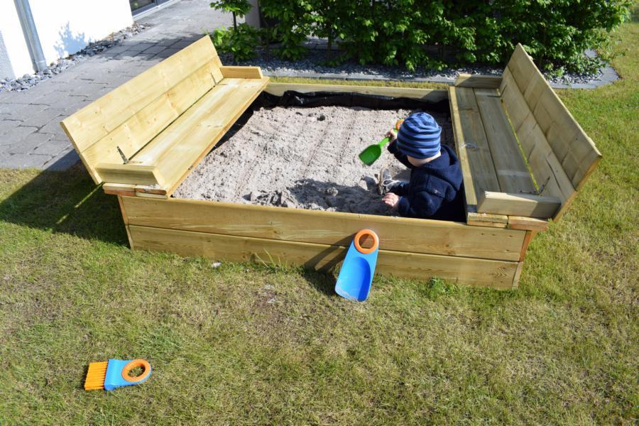 Produkttest: Sandkasten Flippey mit Klappdeckel von Wickey