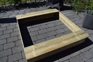 Sandkasten Flippey 5 300x200 - Produkttest: Sandkasten Flippey mit Klappdeckel von Wickey