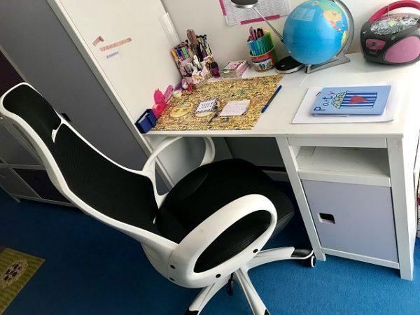 Schreibtisch Schreibtischstuhl 600x450 - Bildungsmöbel haben einen entscheidenden Einfluss auf den Lernerfolg