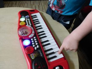 Simba My Music World Disco Keyboard 4 300x225 - Produkttest: Simba My Music World Disco Keyboard