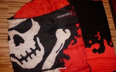 Skandika Isla de Muerta 5 400x250 - Produkttest: Skandika Schlafsack und Isomatte im Piratenlook