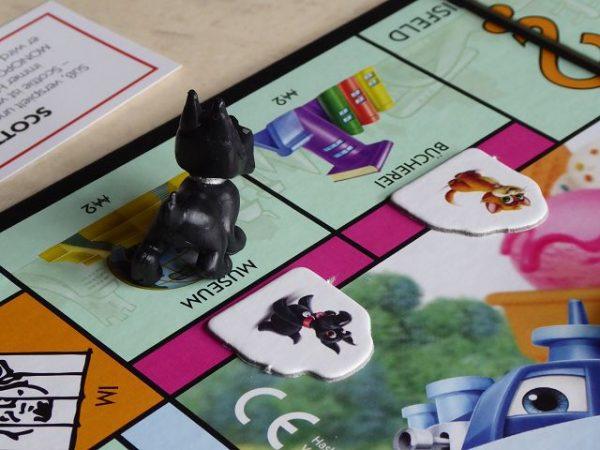 Spiel Monopoly Junior von Hasbro 6 600x450 - Rezension: Spiel Monopoly Junior von Hasbro