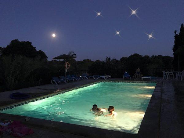 Sternenhimmel Pool Mallorca 600x451 - Familientraditionen zu jeder Jahreszeit