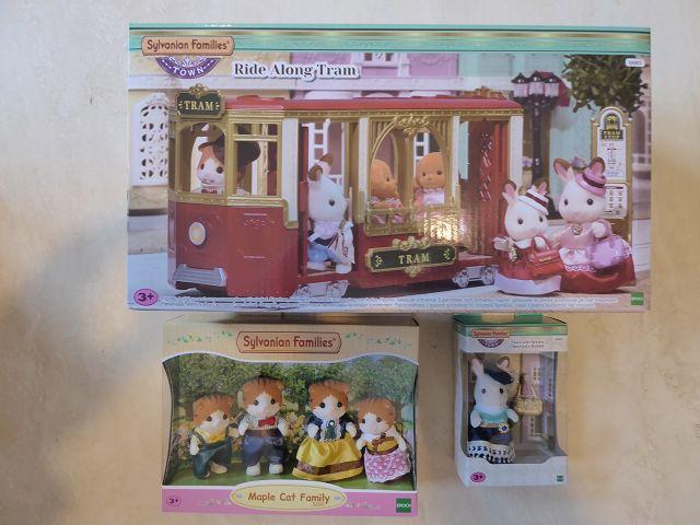 Gewinnspiel: Sylvanian Families Town Straßenbahn + Figuren