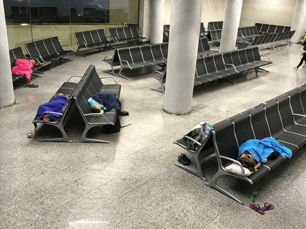 Was man bei Flugverspätung oder -annullierung tun kann