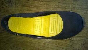 Women's Stretch Sole Microsuede Flat 6 300x169 - Produkttest: Women's Stretch Sole Microsuede Flat