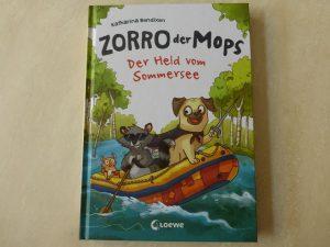 Zorro der Mops Der Held vom Sommersee 2 300x225 - Rezension: Zorro, der Mops - Der Held vom Sommersee