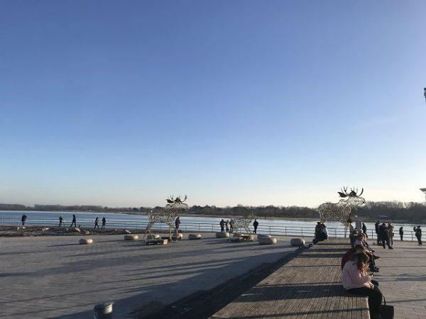 aja Travemünde das Resort Lage direkt am Travemünder Strand 4 600x450 - Familienurlaub im aja Travemünde Resort