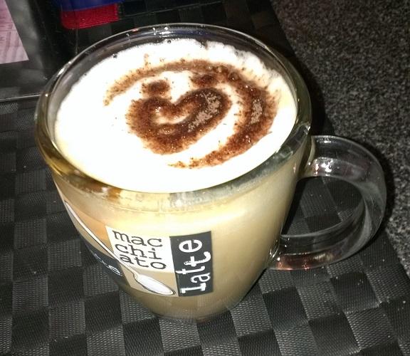 Unser Logo als Cappuccino-Schablone