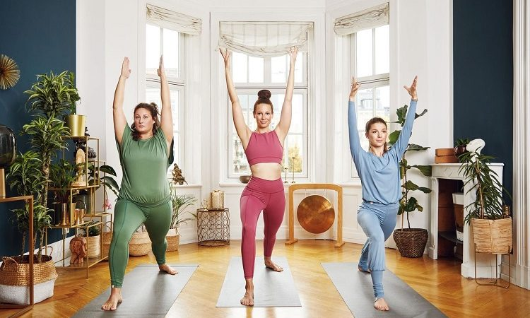 Adventskalender Tür 17: chakrana Yoga-Mode