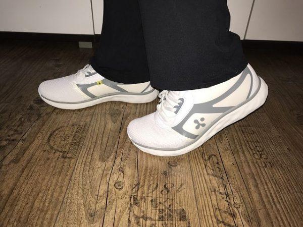clogsexperte.de im Test 1 600x450 - Produkttest: Holzclogs und medizinische Schuhe von clogsexperte.de