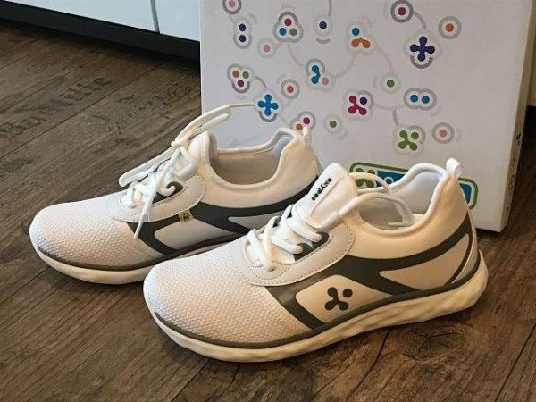 clogsexperte.de im Test 6 600x450 - Produkttest: Holzclogs und medizinische Schuhe von clogsexperte.de
