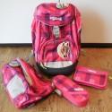 Im Set sind Schulrucksack, Sportrucksack, Schlamper-Etui und Federmappe enthalten
