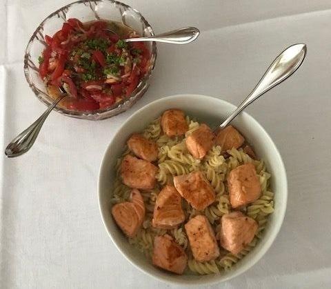 Rezept: gebratener Lachs mit Nudeln