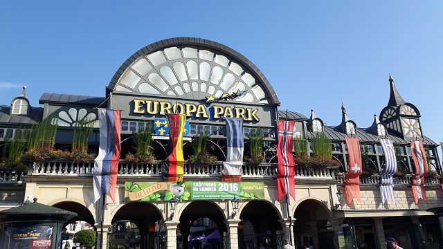 https://commons.wikimedia.org/wiki/File:Haupteingang_Europa-Park_Rust.jpg