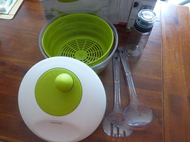 Produkttest: Leifheit Salatschleuder Trend, Salatbesteck und Dressing Shaker