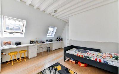 k room boy 2132349 1280 Kinderzimmer 400x250 - Das Kinderzimmer altersgerecht & funktional gestalten
