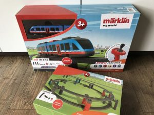 märklin Airport Express Startpackung im Test 1 300x225 - Produkttest: märklin my world Airport Express