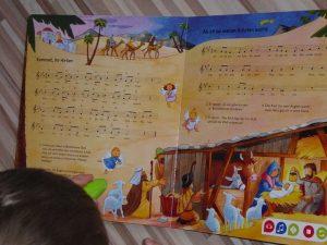 tiptoi Buch Meine schönsten Weihnachtslieder 5 300x225 - Rezension: tiptoi Buch Meine schönsten Weihnachtslieder