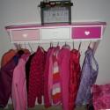 malkittel und kindergarderobe von vertbaudet im test. Black Bedroom Furniture Sets. Home Design Ideas