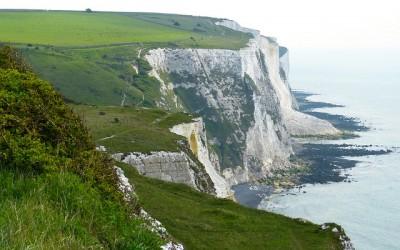 white cliffs 123476 640 400x250 - Mit der Fähre von Calais nach England